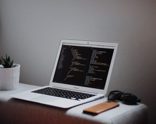 Tips on Picking the right laptop for a programmer
