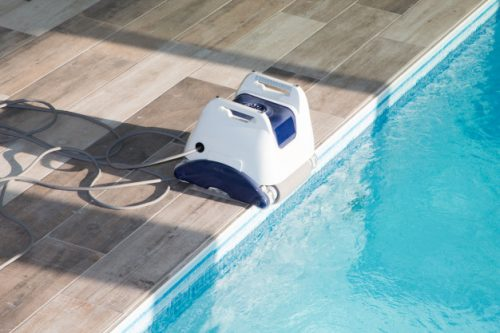 Features for choosing the right robotic pool cleaners