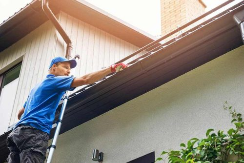 The Benefit of using a gutter cleaning tool
